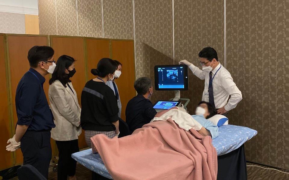 이동석병원장이 대한외과초음파학회 심포지엄에서 유방초음파 검사법을 지도하였습니다.
